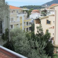 Apartments № 6, 7, 8, 9, 201, 205, 208 and suites № 202, 203, 204, 1 and 6/1 for rent 130 m from the beach in Rafailovići