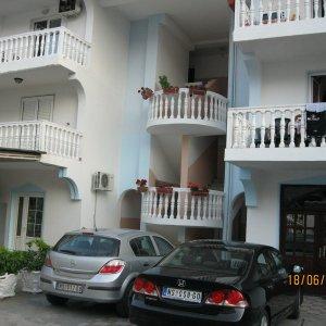 Mieten 2-Schlafzimmer. Wohnungen №№ 1 (Standard.) und 2 (WW). Budva in Montenegro (55 qm)