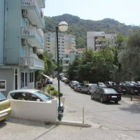 Аренда квартиры № 3 с 1-й спальней (55 кв.м.) в 200 м от песчаного пляжа Рафаиловичи до 5-ти чел Марина