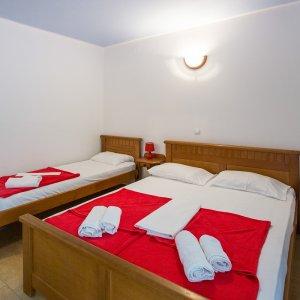 Аренда апартамента-студии № 304 в 40 м от пляжа в Рафаиловичах до 3-х чел.