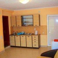 Аренда апартамента с 1-й спальней на 2-м этаже 3-х эт. дома в Сутоморе до 4-х чел  (Алина)