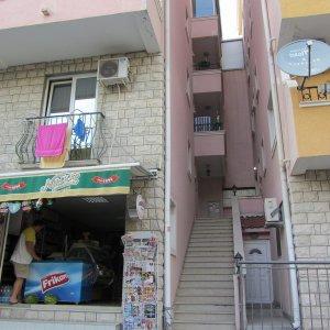 Miete Studio-Apartment Nummer 1 200 Meter vom Strand entfernt in Rafailovici zu 5 Personen (34 qm)
