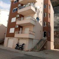 Аренда в Будве 2-х комн. квартиры 45 кв.м. в 750 метрах от пляжа район Подкоклюшн (Любовь)