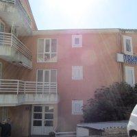 Аренда новой квартиры-студии в Петроваце 400 от моря