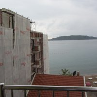 Apartment № 1 on the fifth floor for rent in Rafailovići, 35 m from the beach
