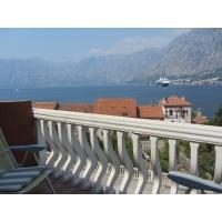 Продается квартира с 2-мя спальнями в 100 м от пляжа с видом на море в Пчань (Александра)